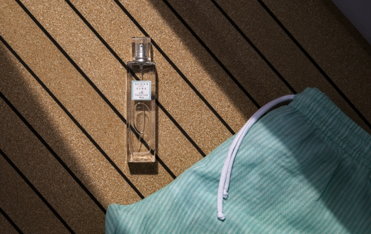 FRAGRANCES FOR TEXTILES: A WINDOW OVER THE SEA.