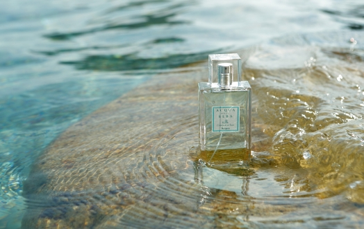 THE GIFTS OF ACQUA: TRANSPARENCY, BALANCE AND NATURE.