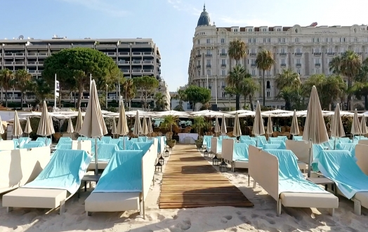 ACQUA DELL'ELBA AT ANNEX BEACH, CANNES